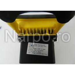 Proiector LED cu Acumulator 10W 12V 220V Alb Rece cu suport